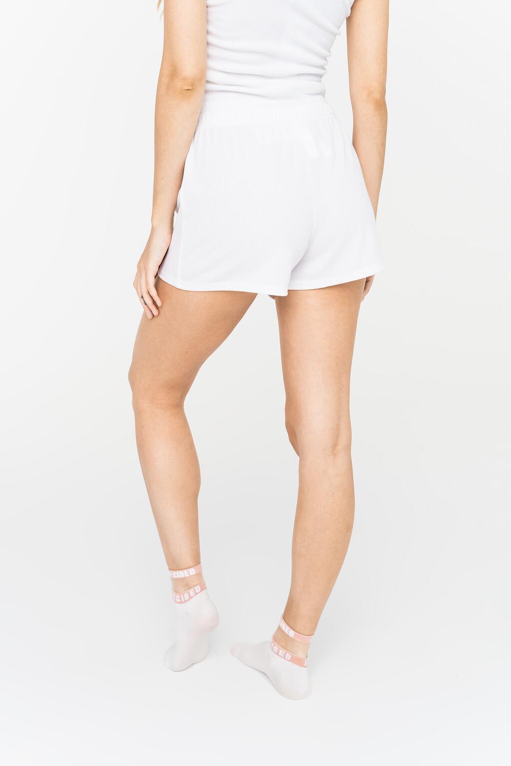 шорты спортивные женские